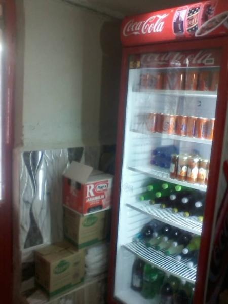 بار ارسالی یخچال ایستاده